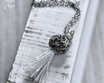 Black and White Bead Necklace | Tassel Necklace | Single-Chain Style