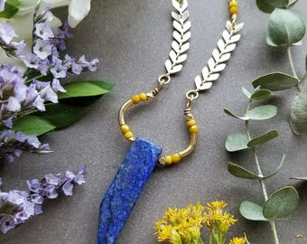 Lapis LAUREL Necklace in Gold >> Deep Blue Lapis Lazuli with Golden Yellow Accents >> Boho Style, Gemstone Jewelry