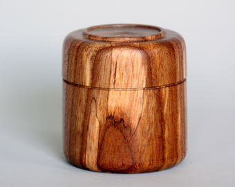Elm ring or trinket box, hand made & wood turned. Beaded and profiled lid. The perfect unique gift of a special person
