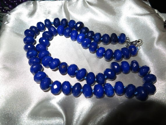 Lovely 6-10mm faceted natural raw sapphire rondelle beaded and knotted necklace