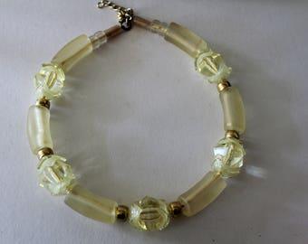 Bijoux resine - lucite - frosted lemon colours - fantasy - pop art - collier bijoux chic - light retro 80's - yellow
