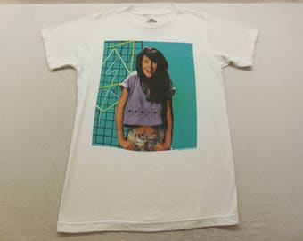 Vintage Saved By the Bell Womens Kelly Kapowski Throwback Graphic T-shirt Small