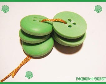 6 buttons plastic green vintage - sewing or scrapbooking