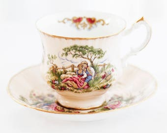"Pretty Paragon by appt. ""Antiques""-series Gainsborough TEACUP pale base, ""Love Story"" brushed goldgilt rims"