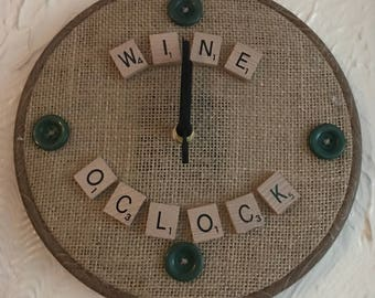 Scrabble letters clock - wine o clock (with buttons)