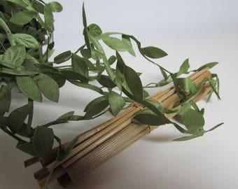 10 m Garland of leaf - nylon syntetic - sheet of 8 x 15 mm - ref 43