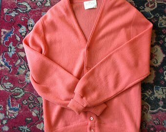 Vintage Men's Large Salmon Cardigan