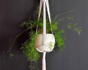 Macrame plant hanger, plant hanging, bohemian pot holder, boho style