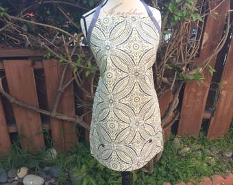 Apron/ Gray Floral Design