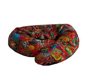 Red patterns maternity pillow beads