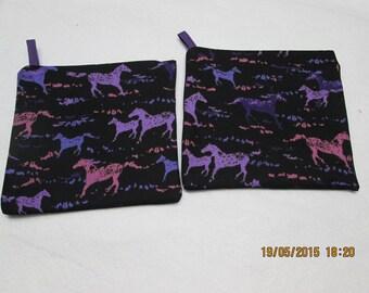 set of 2 potholders patterns horse size 20 x 20 cm