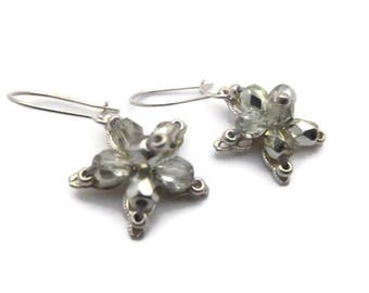 Earrings star prints and beads Crystal green/silver