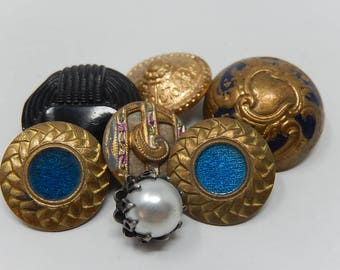 Seven old Buttons, enamelled, 1.5 cm to 1.7 cm in diameter, free shipping