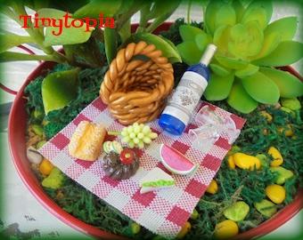 Miniature Picnic Set Fairy Garden Accessory