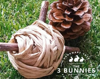 X-Ball - Paper & willow for rabbits - Chew balls for rabbits, guinea pigs, hamsters and chinchillas. Safe toys for small animals.