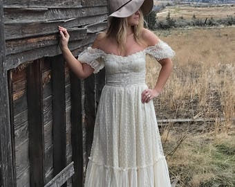 80's Ivory Lace Gunne Sax Dress