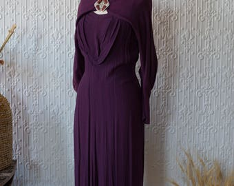 1930's Art Deco Evening Dress in Plum with Bakelite Closure