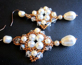 Vintage earrings weaved in pearls and Crystal white Swarovski Pearl