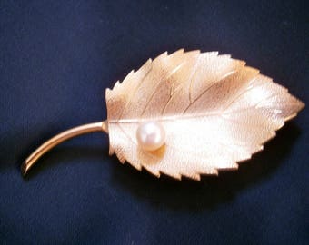 Gold Leaf with Pearl 14K GF Brooch