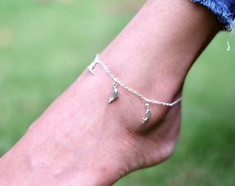 Silver Dolphin Anklet, Dolphin Charm, Foot Chain, Pretty Anklet, Bohemian Anklet, Gypsy Anklet, Beach Anklet, Minimalist Jewelry, AS92