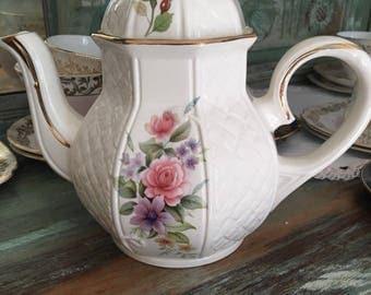 Gorgeous Arthur wood teapot
