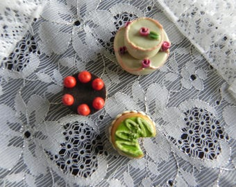 3 miniature cakes in porcelain/plaster for your creations: careful not to eat!