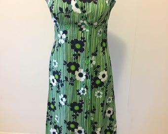 Vintage 1970's cotton wrap around, apron style dress. Size 10