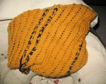 SNOOD doubled to put on grey mustard yellow