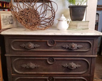 Victorian Walnut Chest of Drawers with Marble Top
