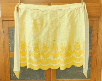 Little Bo Peep on Vintage Yellow Gingham Half Apron, Scallop Edge, Pocket, Panel, Old Style, Country Chic, Farmhouse Style, Spring, Easter