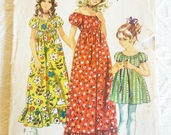1970's Simplicity #9389, Girls Dress Child Size 4 Breast 23