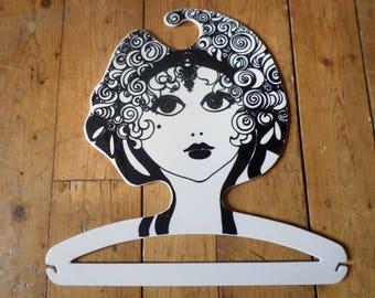 Cintre Vintage / kledinghanger / cintre / kleiderbügel / Pop Art Boutique mise en scène, des années 1960