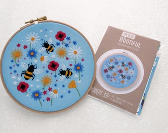 Wildflower Embroidery Pattern, Bees Embroidery Fabric Pack, Summer Hand Embroidery, Flower Hoop Art, Flower Hoop Art Fabric Pattern Pack