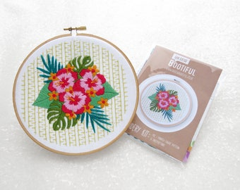 Hibiscus Embroidery Pattern, Tropical Embroidery Printed Fabric Pattern, Pink Tropical Flowers Hoop Art Pattern, Floral Needlework Pattern