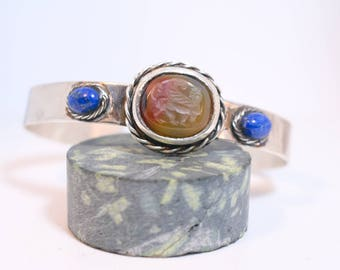 Silver cuff // Carnelian engraved // solid silver // lapis cabochon// ancient shape // man cuff // woman cuff // hand made
