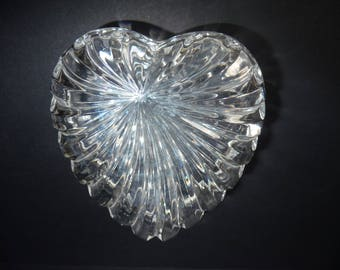 Heart Shaped Cut Glass Crystal Trinket Jewellery Ring Box Valentine Gift Scallope Edge Dish