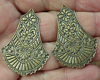 VINTAGE 2 pc Rare Large Victorian style  very nice brass stamping for pendant or earrings jewelry findings  /zg