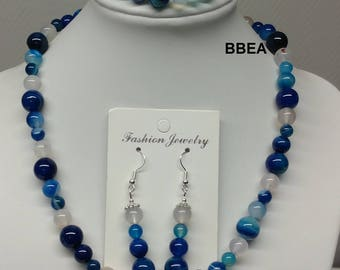 Wellness in blue and white Agate set.