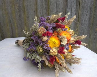 Dried flower bouquet,Bridal bouquet,Wedding bouquet,Rustic wedding, Wild flower bouquet,dried flowers, dried flower arrangement,strawflowers