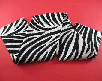 1 coupon fabrics cotton striped zebra, black and white color 100%, 48x48cm.