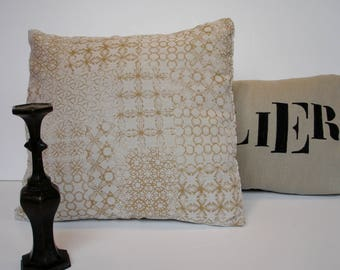 """Beautiful cover 40 x 40 cm with upholstery fabric """"Spirit"""" ochre patches on beige, different geometric patterns"""