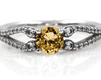 Ladies 14kt White Gold Citrine Diamond Engagement Ring | Center Natural Citrine 1.00 Carat | Side Natural Diamonds 0.20 Carat | 8134