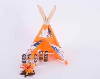 Mini Tepee Wigwam with five little Indians Handmade  and Handpainted a set with a little fire