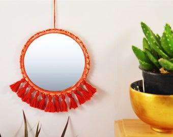 Miroir Tressé avec Pompons Fait-main - Hand-made Braided Miroir with Tassels