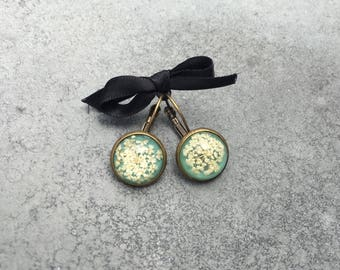 White Queen Anne's Lace against Jade Green Cabachon Antique Bronze Bezel Drop Earrings, Resin Jewelry, Pressed Flowers, Christmas