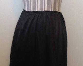 On Sale Vintage Warners Black Half Slip