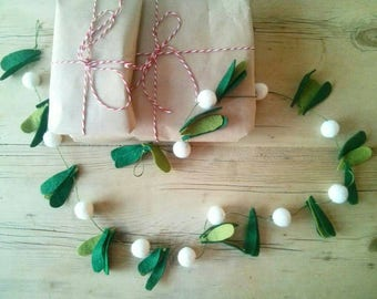 Christmas mistletoe garland, Christmas wedding decoration, fireplace decoration, window decoration, foliage, winter wedding felted mistletoe