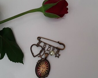 Safety pin brooch romantic bronze metal