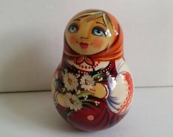 Doll tumbler type matryoshka nesting doll