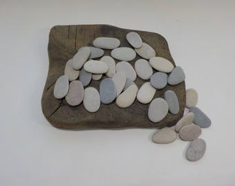 "32 Small Beach Pebbles 1.1-1.3""/2.8-3.4cm   Small Beach Stones  - Flat Sea Stones - Decorative Beach Finds #31"